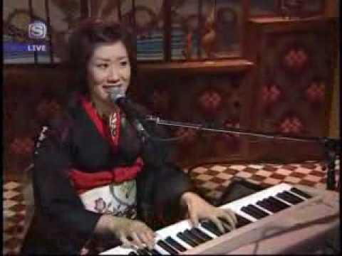 【Live】 倉橋ヨエコ  「涙で雪は穴だらけ」  070116 Oxala!Tuesday.flv - YouTube