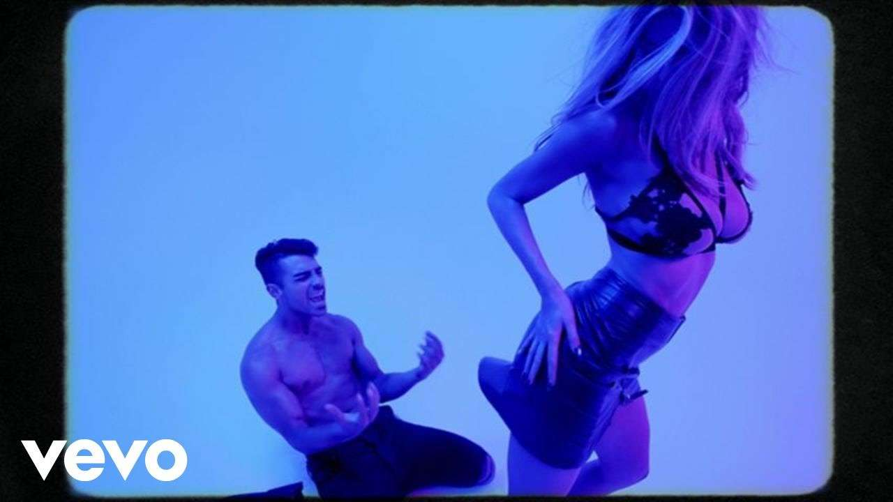 DNCE - Body Moves - YouTube