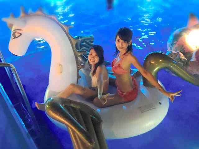 夜のプールは泳ぐより…女性に人気、ホテルや遊園地続々 (朝日新聞デジタル) - Yahoo!ニュース