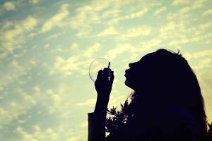 水原希子がインスタで意味深な発言「あらゆるタブーをひっくり返したい」(1ページ目) - デイリーニュースオンライン
