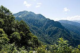 新潟県の八海山で高校3年の男子生徒、滑落し心肺停止…地学の部活中に