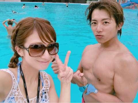 辻希美、家族5人でのプール遊びを報告も「連休明けに非常識」の声