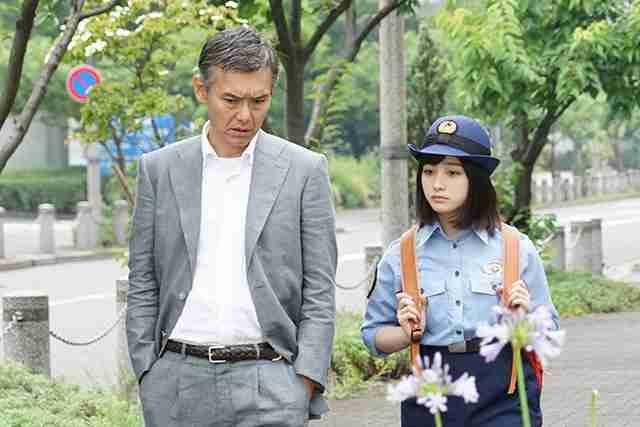 橋本環奈「警視庁いきもの係」の制服姿が寸胴に見えるやむなき理由