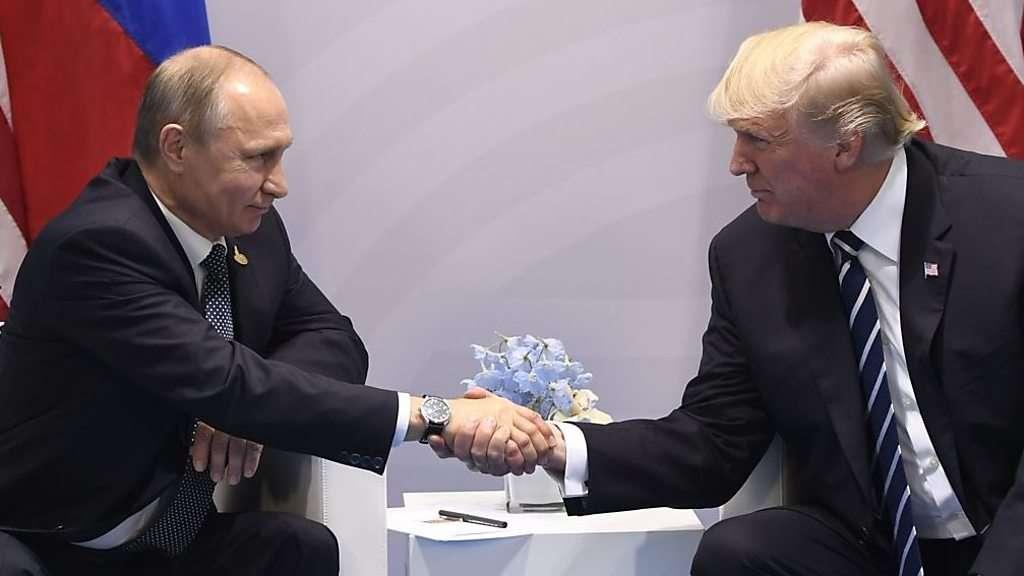 トランプ氏とプーチン氏、実は二度会談していた 独で - BBCニュース