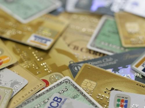 お金持ちの人が財布に入れているカードは○枚!?