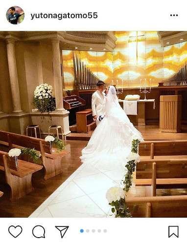 長友佑都、結婚式の写真を公開! : スポーツ報知