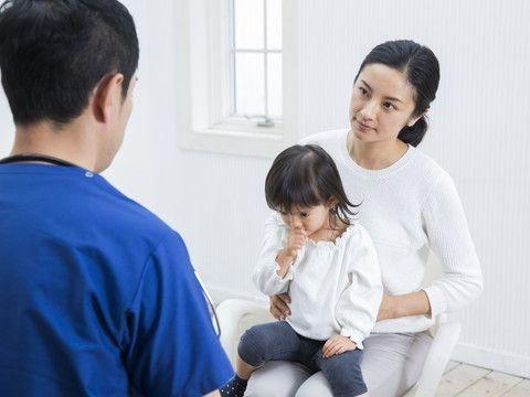 【医師監修】子供を病気にさせる、代理ミュンヒハウゼン症候群とは   ヘルスケア大学