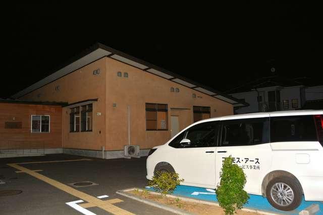 障害者施設の送迎車内で男性死亡 降ろし忘れで熱中症か:朝日新聞デジタル