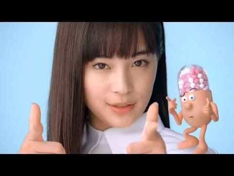 広瀬すず、クールな表情でねらい撃ち決めポーズ 『新コンタック かぜEX』新CM「ねらい撃ち篇」 - YouTube