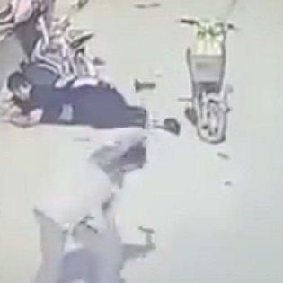 【閲覧注意】交通事故を起こした→賠償金を払いたくない→路上の被害者をハンマーで撲殺! 中国人の「事故後の対応」が恐すぎる!!