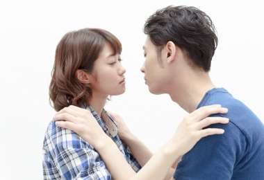 男がキス中に考えてること5つ…