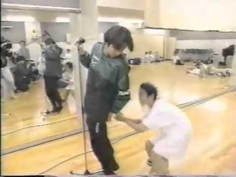 櫻井翔にカンチョウされた堂本光一 - YouTube