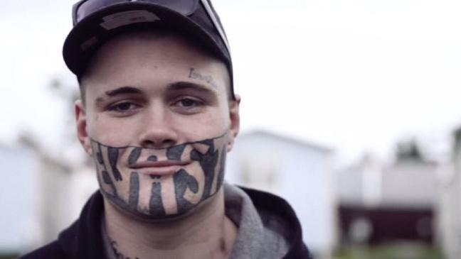顔のタトゥーが原因で職に就けない男性「僕はごく普通の人間なのに…」(ニュージーランド)