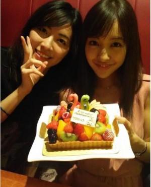 篠田麻里子&松井珠理奈 「ちんさんお誕生日」をお祝い
