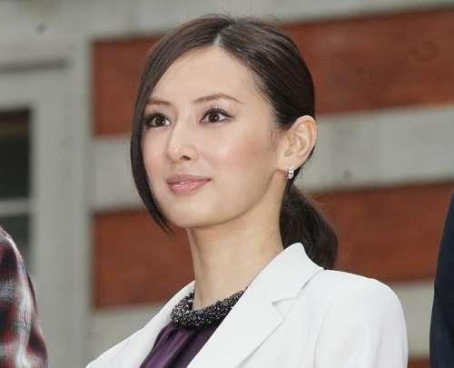 顔小っさ!2位吉瀬美智子「顎ラインがキレイな女性芸能人ランキング」