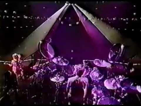 X JAPAN - SCARS (Tokyo Dome 1995.12.31) - YouTube