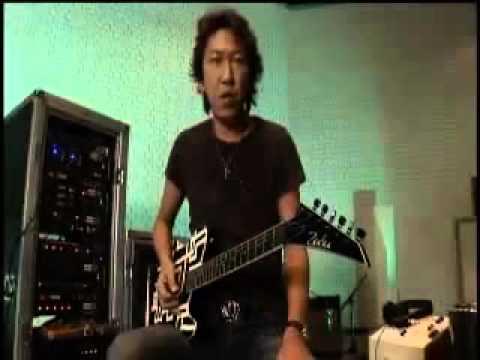 布袋寅泰によるBAD FEELINGの演り方 - YouTube