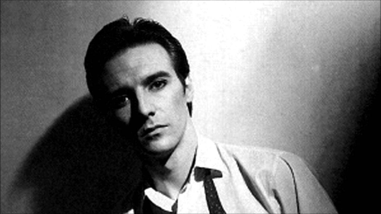 Midge Ure - The Man Who Sold The World (1982 Studio Version) [HQ] - YouTube
