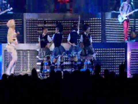 Gwen Stefani - Harajuku Girls Live - YouTube