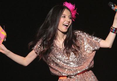 ベッキー出演のスカパー!日本武道館音楽イベント、2年連続でチケット余りまくりで……|ニュース&エンタメ情報『Yomerumo』
