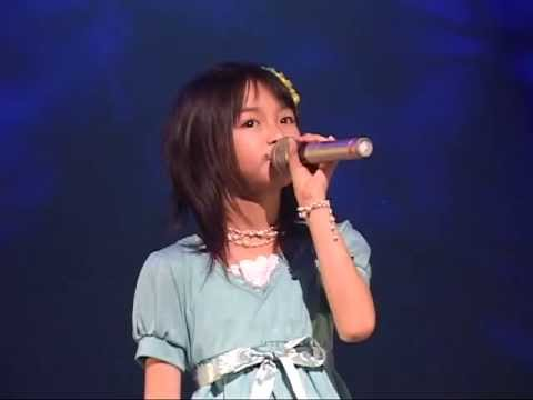 BABYMETAL 9歳の中元すず香ちゃん - YouTube