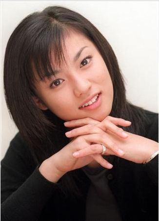 """深田恭子、ハリネズミとの""""かわいい×かわいい""""ショットに「癒されます」と反響"""