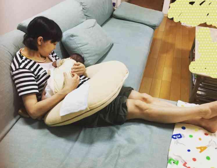 【エンタがビタミン♪】金田朋子の授乳姿に、「ちゃんとお母ちゃんしてますね」とファンほっこり | Techinsight(テックインサイト)|海外セレブ、国内エンタメのオンリーワンをお届けするニュースサイト