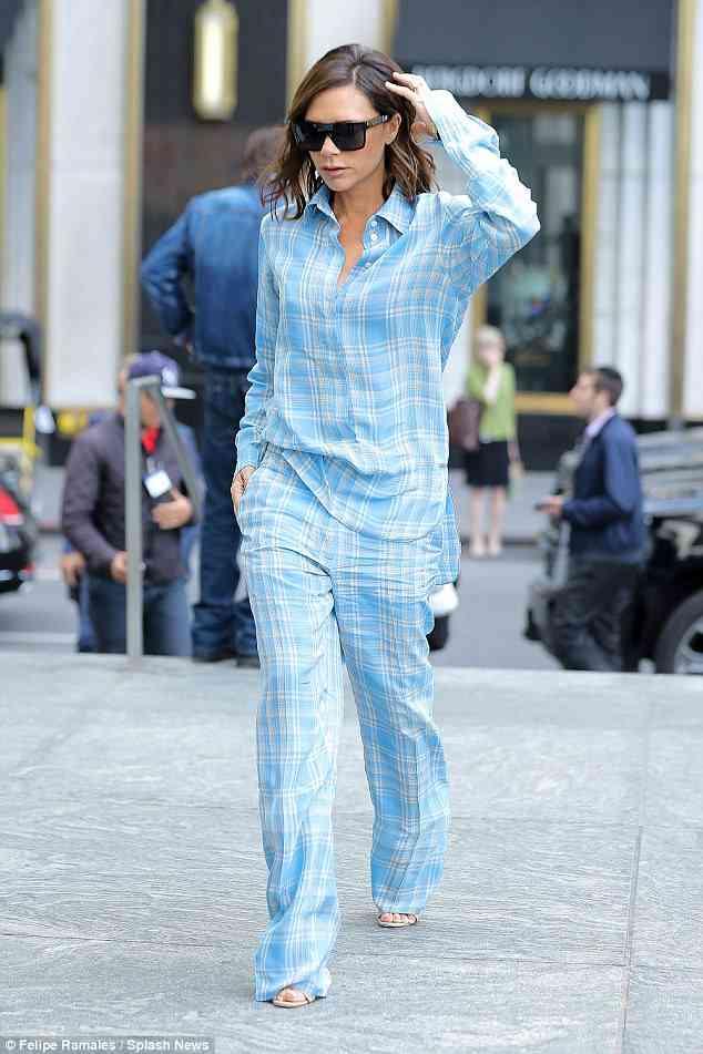 ヴィクトリア・ベッカム、パジャマ姿でNYの街歩く?話題に