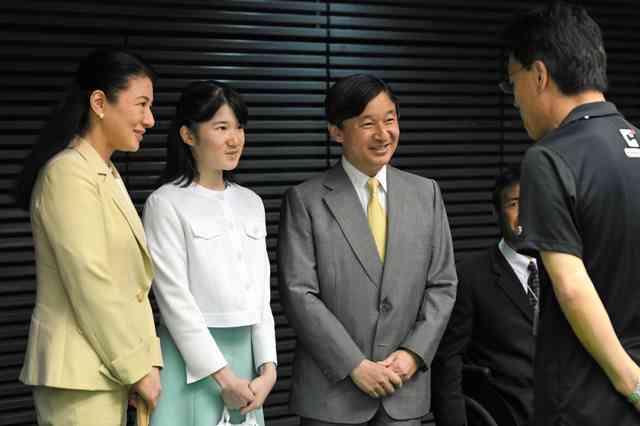 愛子さま、車いすバスケ初観戦 皇太子ご夫妻と:朝日新聞デジタル