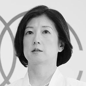 大塚家具・久美子社長が49歳のグラビア進出?(1)経営悪化で赤字が続く中で… | アサ芸プラス