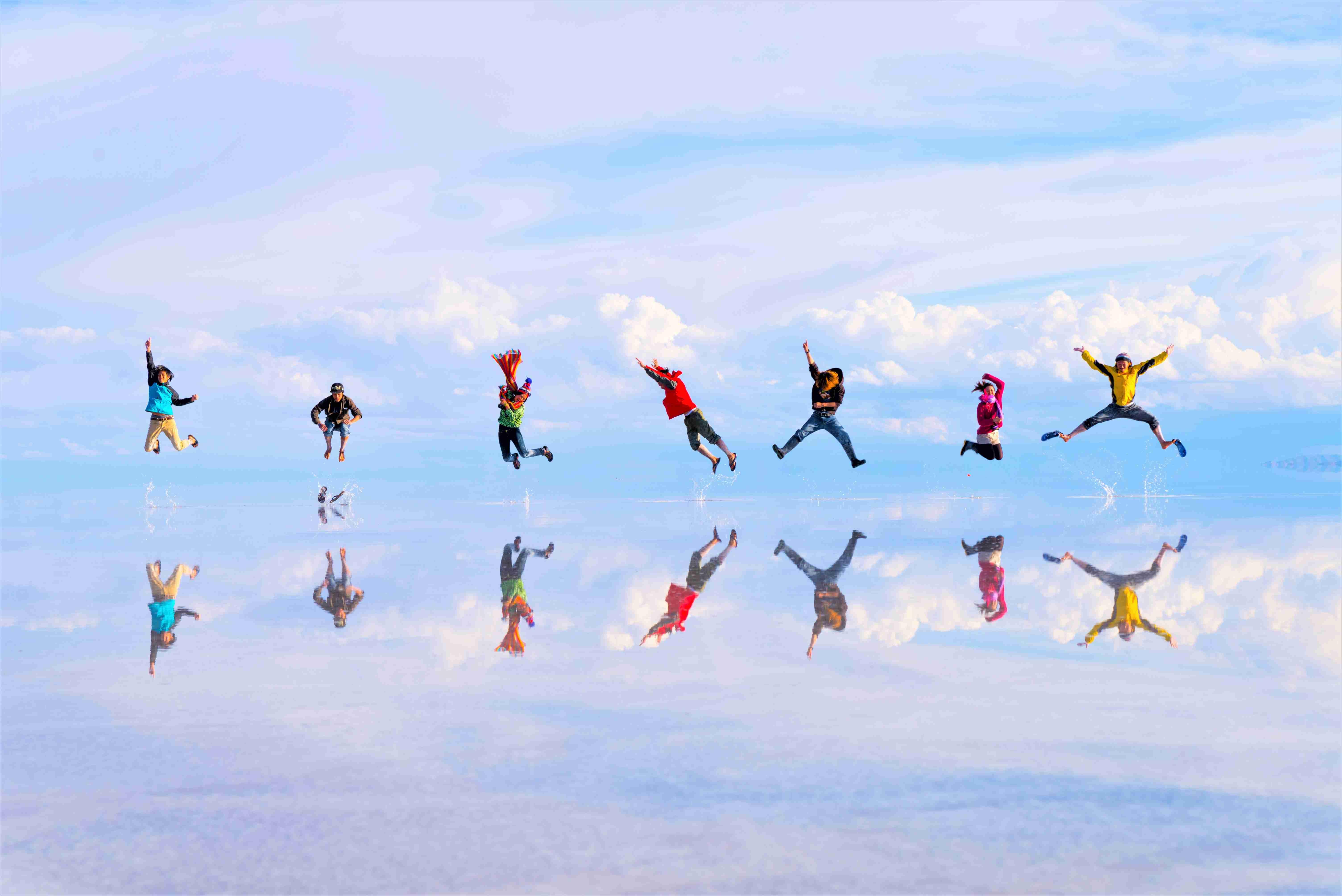 一度でいいから見てみたい!世界の絶景 一面鏡張りの『ウユニ塩湖』女子一人旅♩