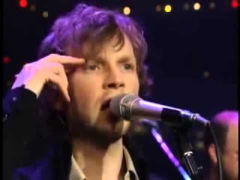 Beck live - Tropicalia - YouTube