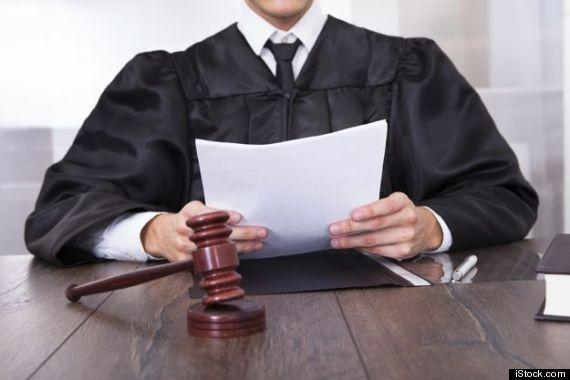 「死ぬなんて言わず、やってみようよ」裁判官が被告を諭す