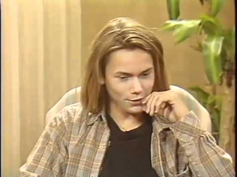 Best River Phoenix Interview 1988 - YouTube