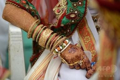 夫と同居のために退学させられた児童婚少女 クラスメートが救出 印 写真1枚 国際ニュース:AFPBB News