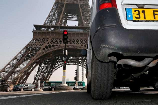 仏、40年めどガソリン車販売禁止 政府、ディーゼルも (写真=ロイター) :日本経済新聞