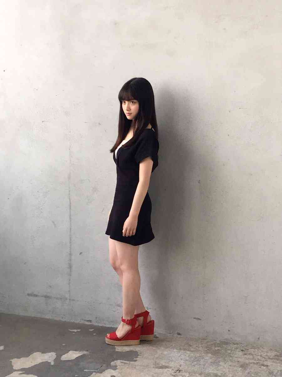 橋本環奈、新プロフィール画像に絶賛の声「天使が女神に」「新たな奇跡の1枚の誕生である」