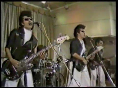 横浜銀蝿   ツッパリHigh Scool Rock'n Roll登校篇 - YouTube