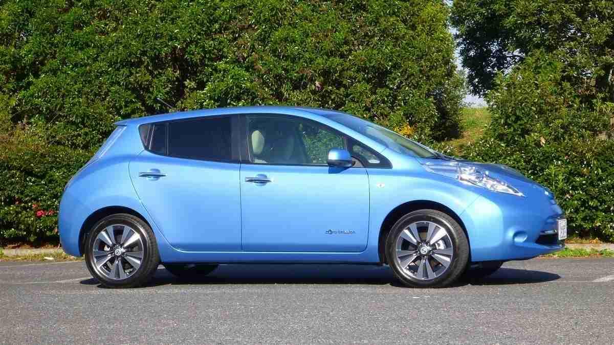 電池寿命に不安。電気自動車の中古価格が暴落中!(国沢光宏) - 個人 - Yahoo!ニュース