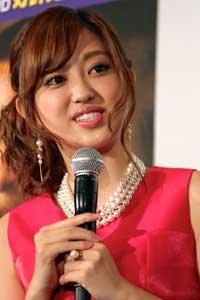 自らリーク!? 菊地亜美の熱愛報道に「すべてが完璧すぎる!」の声 | ニコニコニュース
