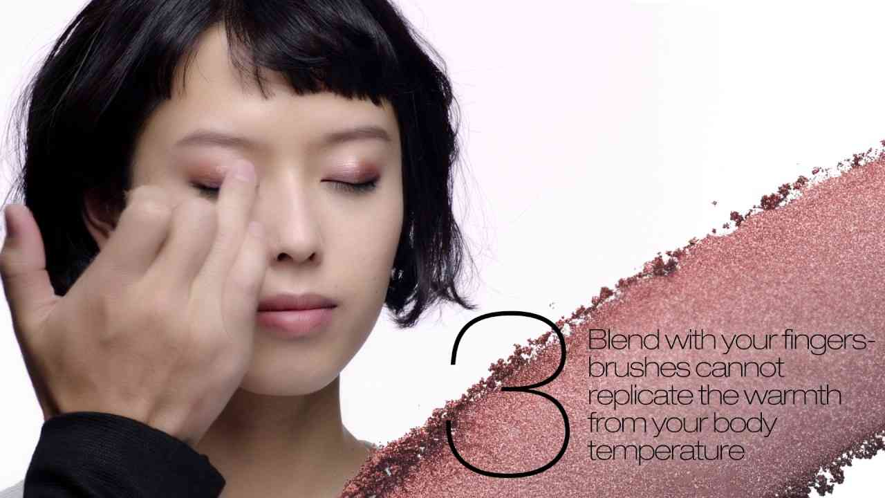 how to apply simple gradation eye makeup using fingers | shuTIPS - YouTube