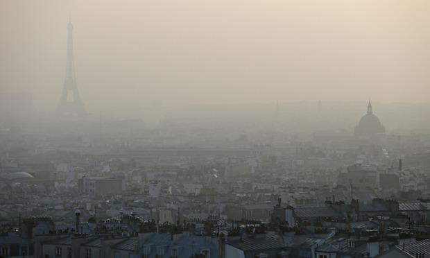 フランス、2040年めどガソリン車販売禁止 政府、ディーゼルも