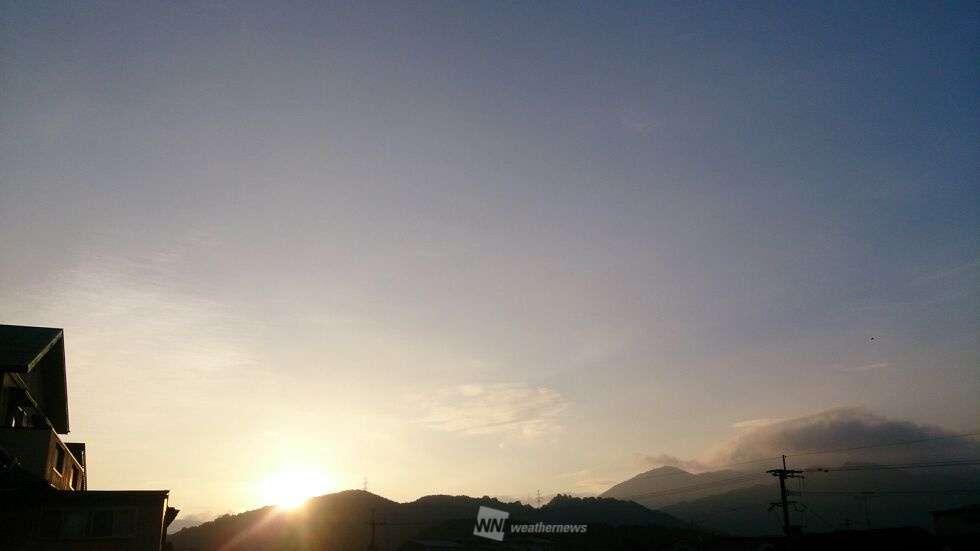 暑さで目覚める土曜の朝、西日本各地で今年初の熱帯夜