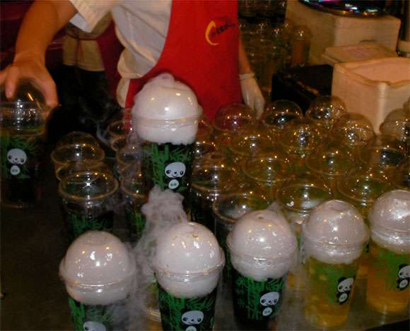 ドライアイスの使用に関して消費者庁が注意喚起!凍傷以外にも容器破裂や酸欠も