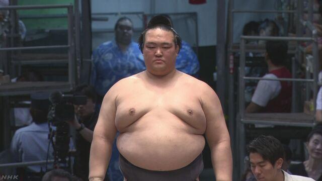 横綱 稀勢の里 きょうから休場 | NHKニュース