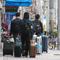 民泊のごみ不法投棄疑い 京都、管理会社を書類送検 : 京都新聞