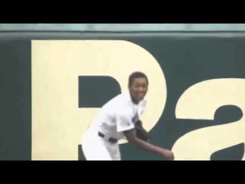オコエ瑠偉 満塁で 高校生離れした ファインプレー 2死満塁 関東一 vs.中京 - YouTube