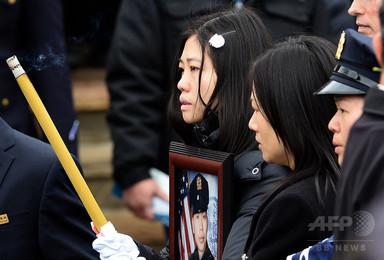 2年半前に殉職した米警察官、赤ちゃん誕生 直後に精子保存 写真2枚 国際ニュース:AFPBB News