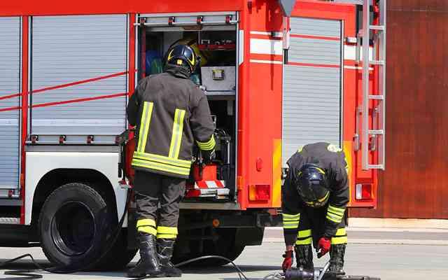 消火活動後、ファミレスで食事をした消防士たち 店員の言葉を聞いてビックリ!