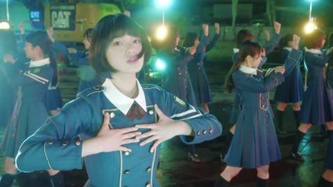 欅坂46・平手友梨奈 同世代の10代に「勇気与えられる存在に」